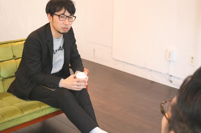 横石氏インタビュー風景写真2