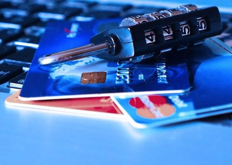 クレジットカード引き落とし停止手続き