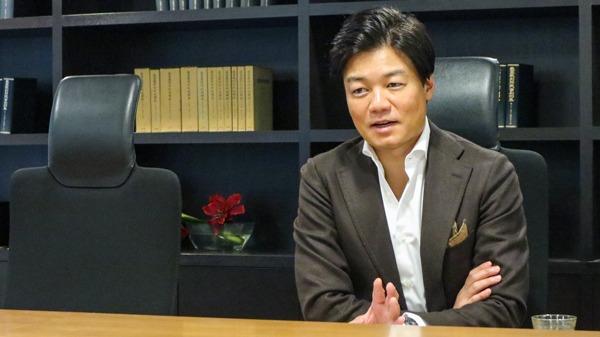 元榮さんが副業の目的とはなにかについて話している写真