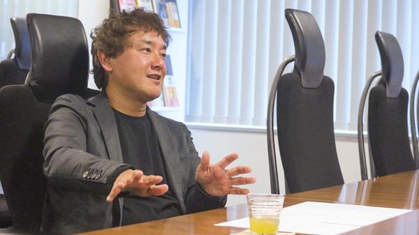 副業社員を実際に導入している株式会社schooさんの例を話している写真